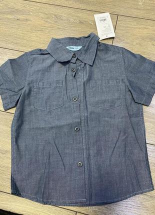 Рубашка нова 4/6лет под джинс