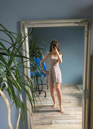Платье bershka в цветочный принт
