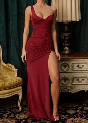 Шикарное бордовое платье в пол oh polly новое платье на одно плечо (бирка!)