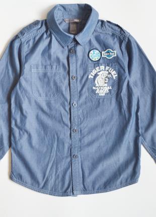Фирменная джинсовая рубашка h & m на мальчика 4-5 лет