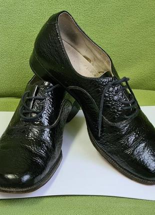 Мужские винтажные черные лаковые кожаные туфли со шнуровкой. размер 41.5-42