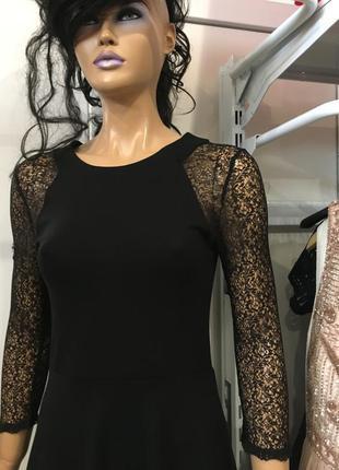 Трикотажное платье с кружевной отделкой french connection vienna4
