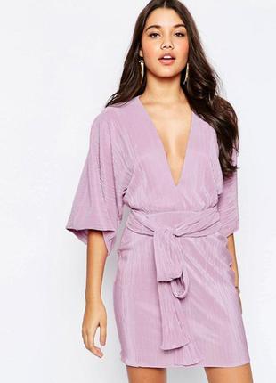 Новорічний розпродаж !!! короткое платье-кимоно с отделкой плиссе и поясом asos