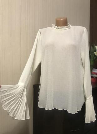 Белая молочная блуза с рукавами