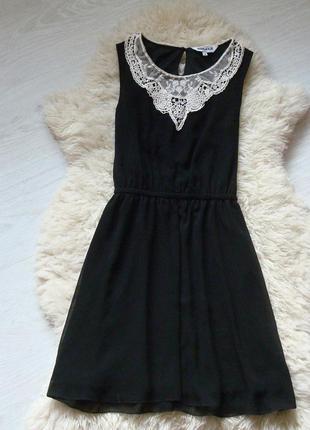 Красивое платье с кружевом от new look