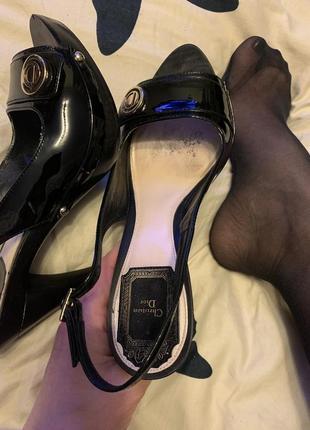 Оригинальные шикарные туфли босоножки