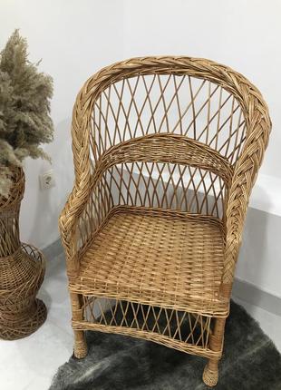 Плетене крісло з лози, кресло с лозы