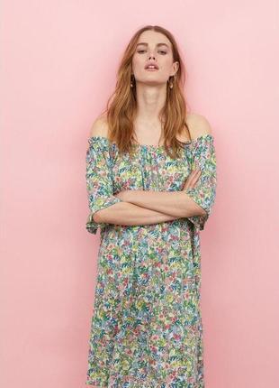 Платье в цветочный принт от h&m. размер s-м-л. состояние нового. распродажа !