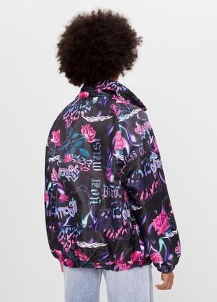 Нейлоновая куртка оверсайз с рисунком bershka - xs-s, m-l2 фото
