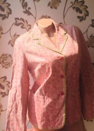 Итальянский новый костюм кожаный розовый пиджак юбка нат кожа под змею