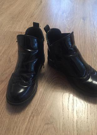 Черные лаковые ботиночки деми на девочку 28