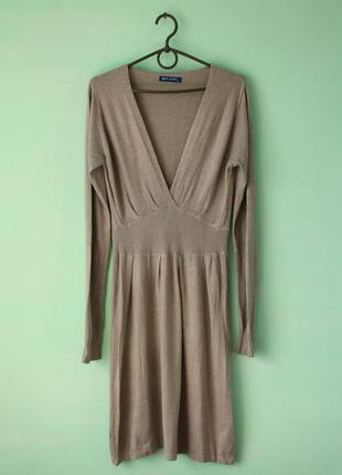 Теплое кашемировое бежевое миди платье с v-образным вырезом на осень-зиму  milano