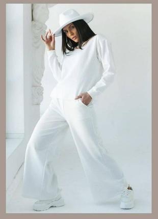 Женский костюм из трикотажа новый