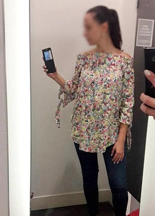 Блуза с открытыми плечами в цветочный принт h&m
