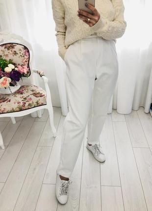 Белые базовые брюки джинсы багги слоучи мом свободного фасона высокая