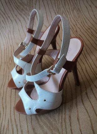 Босоножки grado кожаные высоком каблуке белые коричневые кожа удобные платформе