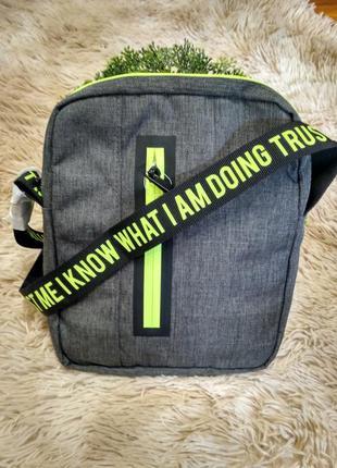 Стильная сумка-барсетка