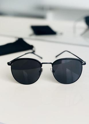 Круглые солнцезащитные очки чёрные