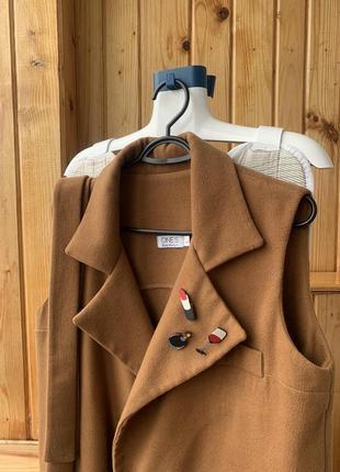 Пальто жилет на осень