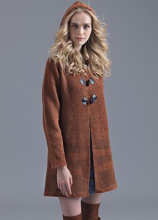 Вязаное пальто с капюшоном yuka paris