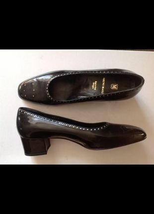 Новые итальянские кожаные туфли bruno magli 40 {27}