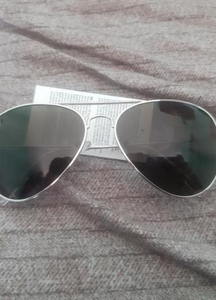 Модные солнцезащитные очки капли