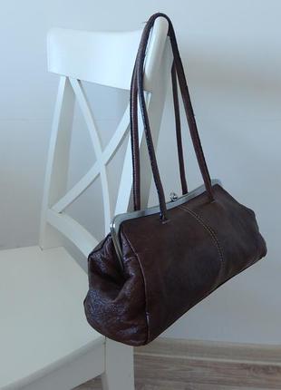Фирменная кожаная сумка nine west  супер качество в отличном состоянии