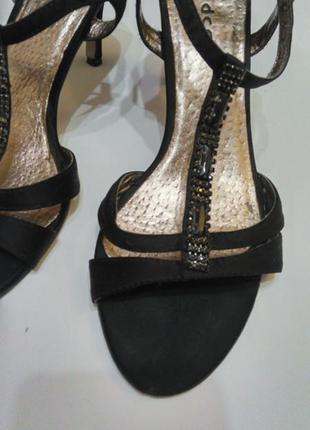 Женские черные босоножки средний каблук на выпускной со стразами размер 38-392