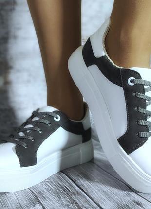 Стильные женские кроссовки)))