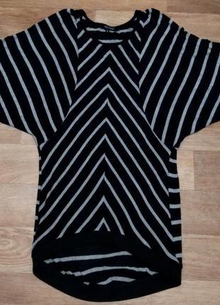 Интересное трикотажное платье