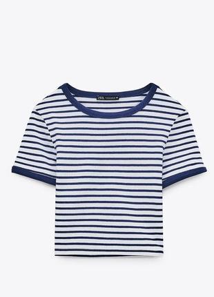 Хлопковый топ в полоску zara. плотная ткань. укороченная футболка. есть размеры.