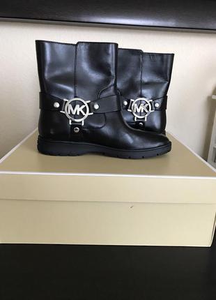 Ботинки сапоги michael kors   fulton biker booties