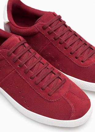 Кожаные кроссовки самого трендового цвета осени