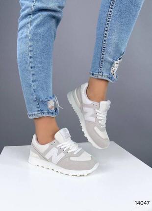 Светлые кроссовки3 фото