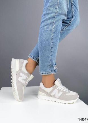 Светлые кроссовки2 фото