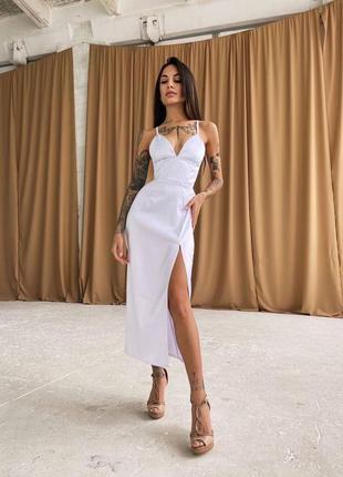 Корсетное платье-футляр с разрезом