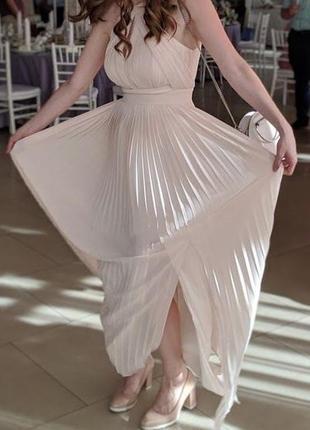 Вечернее нарядное платье с плиссированной юбкой в пол