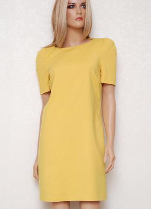 Горчичное платье с подплечниками zara m