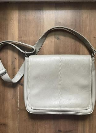 Новая объемная и вместительная серая сумка giorgio armani