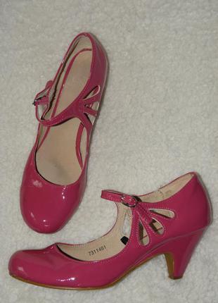Малиновые розовые лаковые туфли от atmosphere на низком каблучке  р. 40 стелька 25,5 см