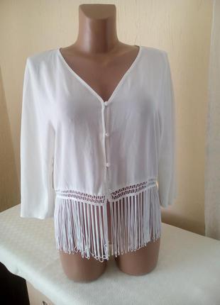 Трендова блуза із бахрамою