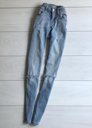 Крутые джинсы skinny с дырками topshop moto