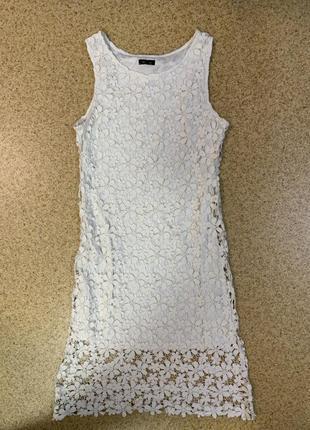 Платье/белое/кружевное/длинное/по фигуре/без рукавов