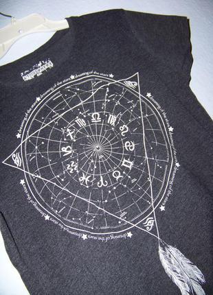 Крутая футболка принт с геометрией и гороскопом меланж