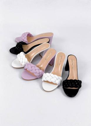 Стильные женские шлёпки на каблуке