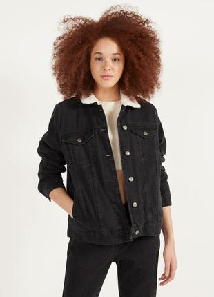 Джинсова куртка bershka жіноча3 фото