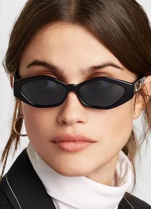 Солнцезащитные женские очки в ретро стиле чёрные