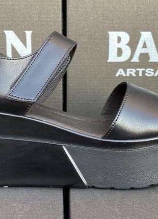 Женские сандали на платформе