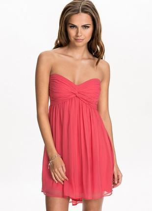 Розовое шифоновое платье бандо