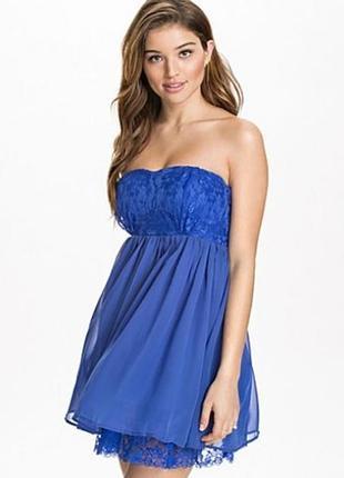 Синее шифоновое платье с кружевом